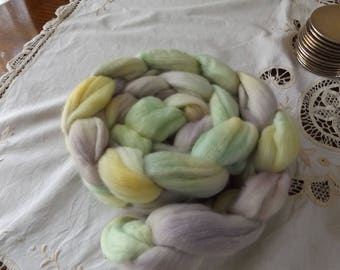 Merino roving hand dyed 20 micron 108gms Colour 1