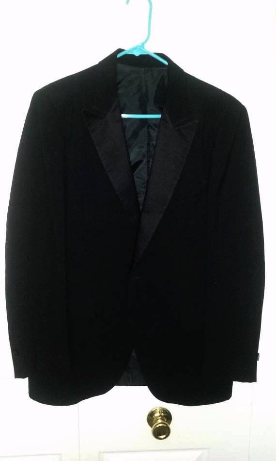 Men's Tuxedo 2 piece, Jacket Sz 40 Pants W32-34 L32