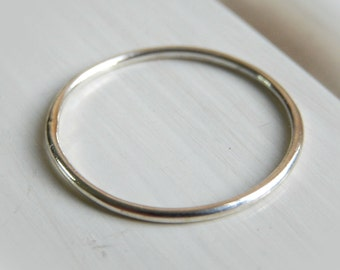 Sterling Silver Dainty Stacking Ring // Sterling Silver Stacking Ring