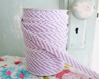 Lavender Stripe Double Fold Crochet Edge Bias Tape (No. 112).  Stripe Quilt Binding.  Stripe Fabric.  Premade Binding.  Quilt Binding.