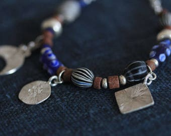 Handmade silver charms and glass-paste beads bracelet in blue (B0060)