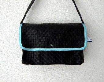 Black faux leather braided and fabric small pan handbag