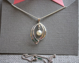 Vintage Silver and Pearl Pendant Necklace, 16 inch Chain, Small Gift