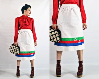 VTG- 70s, Vintage, Rainbow Striped, Below the Knee, Gathered waist, 1970s, Casual, Adorable, White Skirt w Pockets - Size XS XSmall S Small