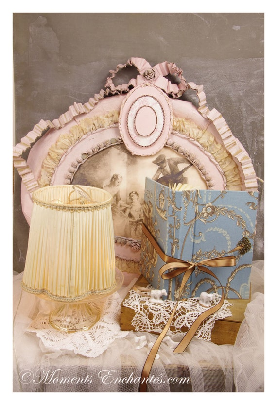 Telephone book's ornements Marie antoinette style