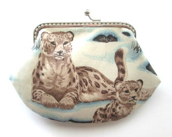 Leopard frame pouch, panther cotton fabric, silver kiss lock clasp coin purse, snap frame purse, big cat change pouch, change bagle