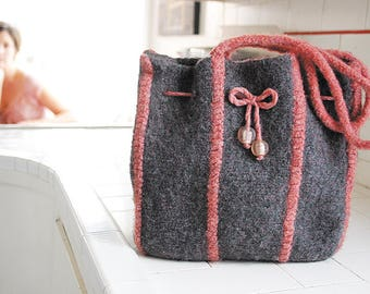 Vertical Stripe Purse Knitting Pattern