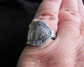 Vintage 1970s Silver Spoon Ring
