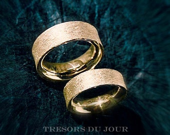 Unique WEDDING RING SET 'Caleche' His and Hers Gold Wedding Band Set Concave Wedding Rings Textured Platinum Wedding Bands Modern Unique