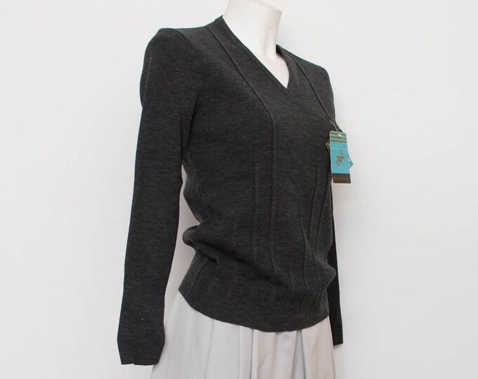NOS vintage 70s knit sweater Vneck grey