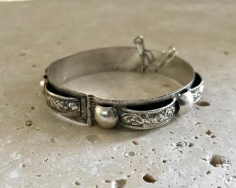 Ethnic Silver Bracelet Hinged Stamped Tunisian Jewelry
