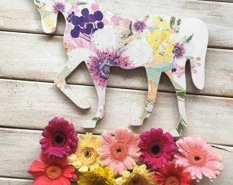Horse Wall Art. Equestrian wall decor. Horse decor. Modern farmhouse decor. Farmhouse art. Urban Farmhouse. equestrian gifts. Horse Gifts.