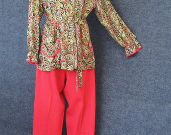 40s 50s Vintage Hostess Pajama Set, Lounge Wear PJs, Red Rayon Side Button Pants, Paisley Blouse, Peggy Jean Daytime Apparel, Bust 35