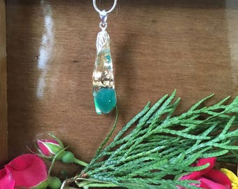 Green Onyx Necklace, Green Onyx in Resin with Gold flake on a Silver 18 inch chain.