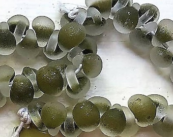 10 Frosted Handmade Lampwork Beads - Asparagus 11mm (2140)