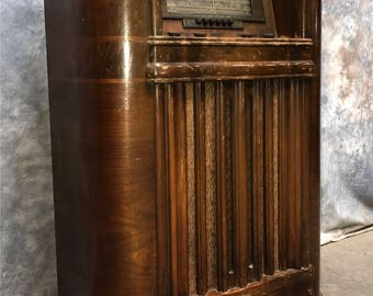 1941 RCA Victor Model 29K Superheterodyne Floor Console Tube Radio Magic Loop Vintage