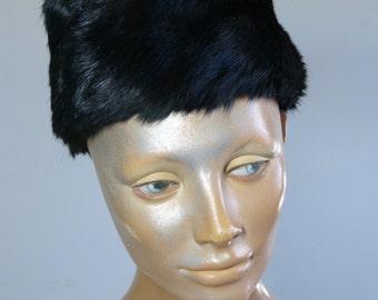 Black rabbit fur BARBARA toque hat - fall winter fashion - French 40s 50s vintage