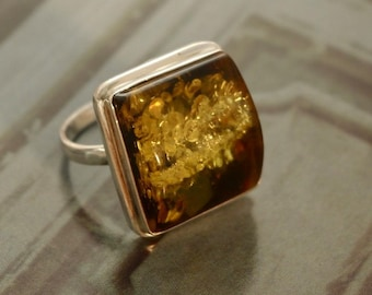 large green amber ring, size 11.5