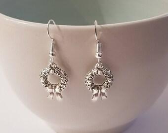 Christmas earrings, Christmas wreath earrings, Festive earrings, Christmas wreath jewelry, holiday earrings, gifts for her, stocking stuffer