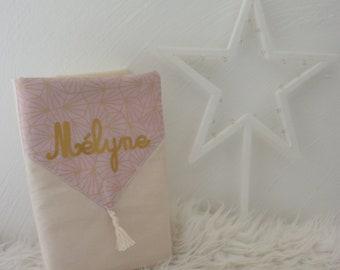 protège carnet de santé, personnalisable, fille, en tissu, vieux rose, doré, cadeau naissance fille