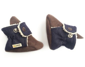 Classic denim baby booties. Gender neutral, perfect for a boy or girl. Cotton denim moccasins.
