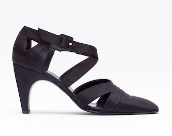 Robert Clergerie • Vintage Shoes • Modern Pumps w/ Criss Cross Straps • Square Toe • Curved Heel • Simple Black Vtg Heels • Made in Italy