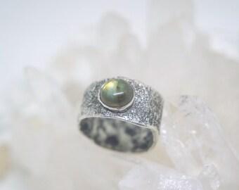 Handmade silver ring with Labradorite