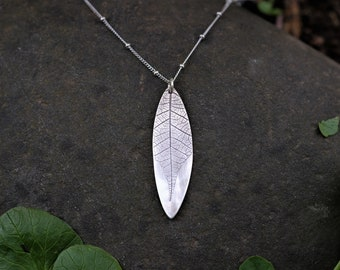 Real Leaf Imprint Necklace / Leaf Necklace / Leaf Charm Necklace / Long Leaf Print Necklace / Woodlands / Nature Jewelry / Forest Jewelry