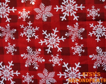 Snowflake with Red Plaid - David Textiles - 100% Cotton Fabric - 1/2 Yard - more for one cut - B11