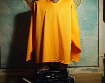 Rad 1990s / 90s Mens Vintage Oversized Street Chic Bright Tangerine Orange Slouchy Sport Athletic Long Sleeve Mesh Jersey Shirt Top
