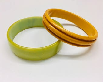Vintage Bakelite Bangles, Butterscotch Carved and Pea Green Chunky, Group of 2, Mixed Bangles