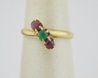 14k Yellow Gold Vintage Red & Green Stone Ring Size 4.75