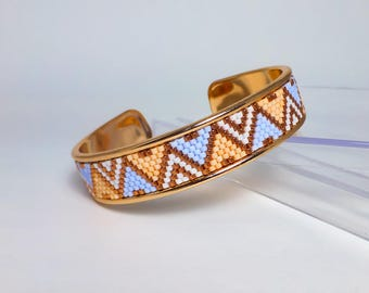 Bangle and beads of pastel beads, rose gold Bangle, bracelet beads woven on band open wrist