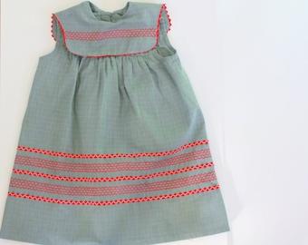 1950s girls dress / 50s gray  children's dress / 50s embroidered dress