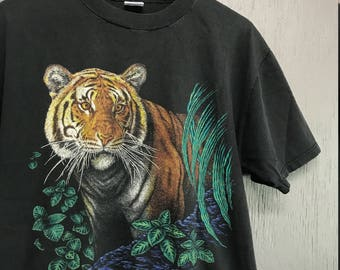 L vintage 90s Tiger nature t shirt