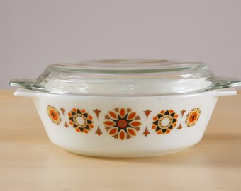 "Vintage JAJ English pyrex ""Toledo"" casserole dish with lid"