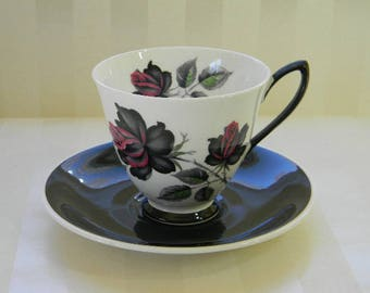 TEACUP, Vintage Royal Albert, MASQUERADE, Bone China Teacup