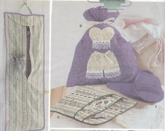 FREE US SHIP Simplicity 5822 Quilters Only Fabric Lingerie Personal Accessories Slippers Tote Organizer Elaine Heigl Factory Folded