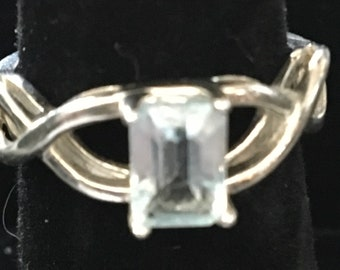 925 silver and topaz ring size 6 1/4