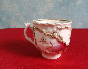 ANTIQUE Victorian Mustache Style Cup Gold Raised Flowers Lace Movember