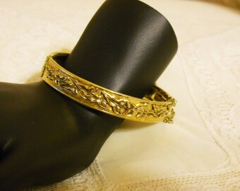 Bracelet Hinged Bangle Whiting and Davis Gold with leaves