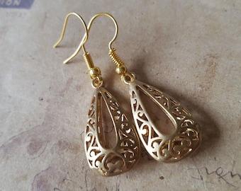 Drop earrings ~ gold ~.