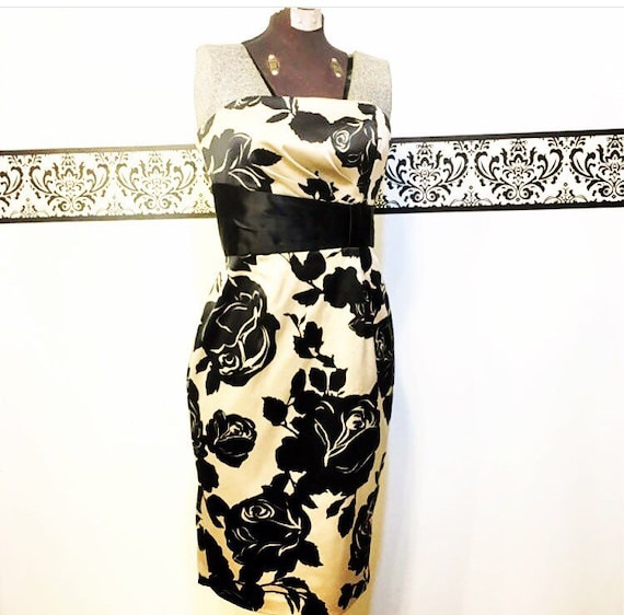 Vintage House Vintage Black Dress and Up Pin Dress Vintage Size Size Small by Market 2 Wiggle Dress Gold Gold Black White Bombshell rCnB6trq