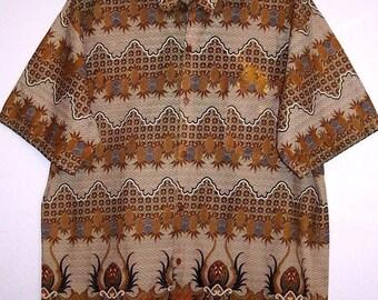 Men's Vintage Batik Shirt M / L Cotton Button Down Short Sleeve Boho Hippie