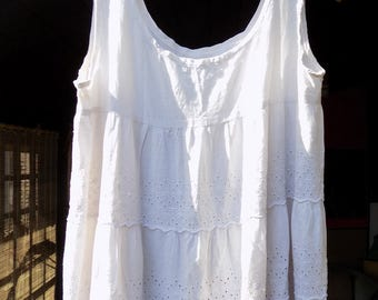 White Enchantress - Vntg White Maxi Bohemian Summer Dress