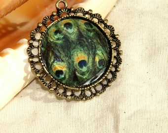 Locket bronze Peacock pendant size: 40 mm approx