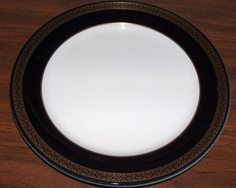 "p7425: SHENANGO China 10"" Dinner Plate TOTAL 21 Available Black & Gold White Vintage Restaurant Hotel Ware at Vintageway Furniture"