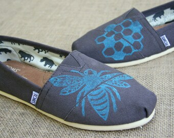 Bee TOMS Shoes