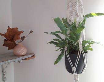 Macrame plant hanger | Succulents plant hanger | hanging planter | plant pot holder | rustic | boho | Scandi | minimal