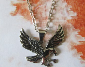 The flight of the Eagle necklace